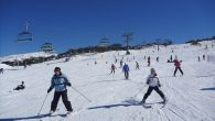 Can you skii/snowboard in Australia? Where can you do it? Perisher and Thredbo are the best places for skiing and snowboarding in Australia