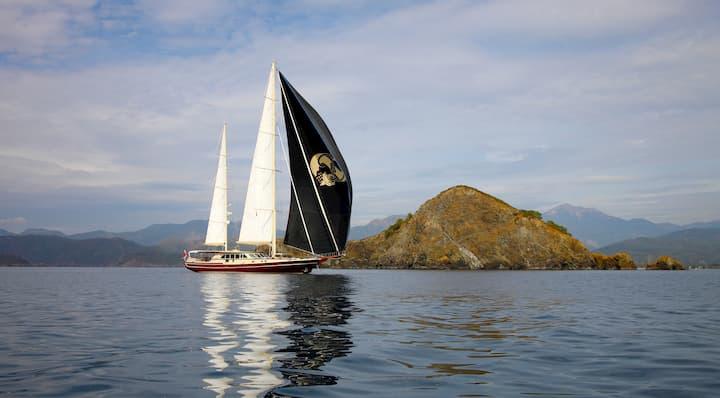 two masted gulet ship Daima